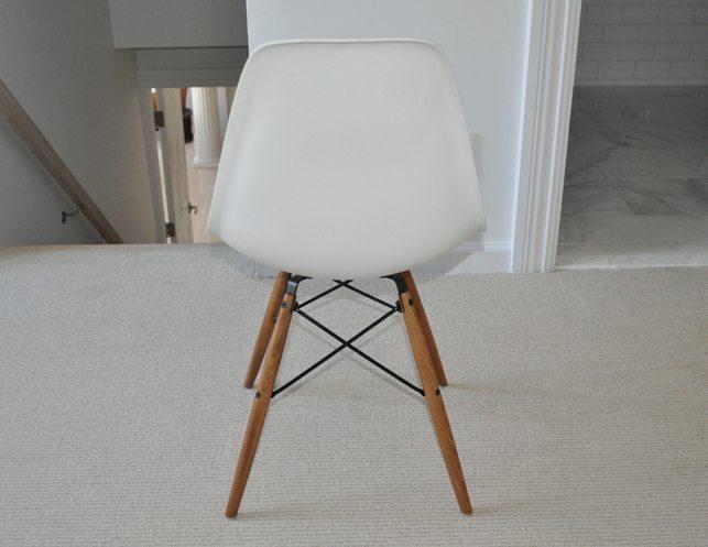 Eames molded plastic dowel leg side chair 3 in stock for Eames molded plastic dowel leg side chair