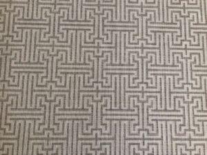 8 x 9 Grey and White Trellis Rug
